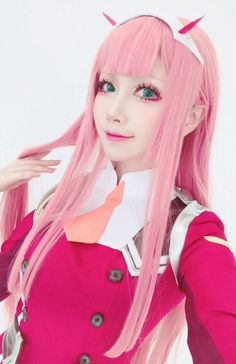 02 - Darling in the Franxx Cosplay Sword, Epic Cosplay, Cute Cosplay, Amazing Cosplay, Cosplay Outfits, Halloween Cosplay, Cosplay Girls, Cosplay Costumes, Anime Cosplay Makeup