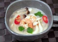 Tom Yum Goong (Spicy Thai Shrimp Soup) with Coconut Milk 椰香冬蔭功