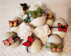 Kraslice - dřevěný motýlek s hnědou stužkou