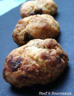 Un biscuit ultra simple à faire et très rapide. On n'a pas forcément tous les ingrédients mais vous pouvez ajouter ce que vous aimez. Pour une vingtaine de cookies, il vous faut : - 150 g de beurre ramolli - 110 g de sucre de canne & stevia Pure Via -...