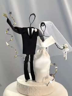 Unique Cake Toppers, Unique Cakes, Custom Cake Toppers, Wedding Cake Toppers, Elegant Wedding Cakes, Elegant Cakes, Beautiful Wedding Cakes, Star Wedding, Wedding Ideas