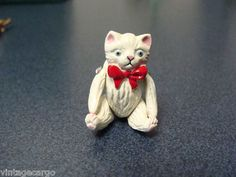 Hantel Victorian Miniatures Cat Wearing Bowtie