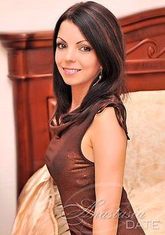 AnastasiaDate oferece uma companhia emocionante com mulheres românticas e cuidar do exterior.