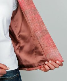 Learn how to determine the best lining weight for your garment.
