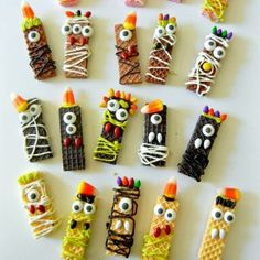 Sugar Wafer Monster Halloween Treats | Sugar Swings http://carolynsdetails.blogspot.com/