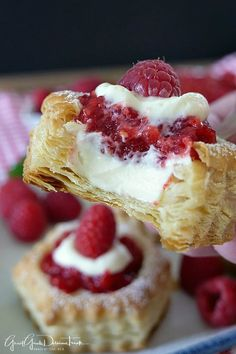 Raspberry Cream Cheese Pastries are a flaky puff pastry filled with a delicious cream cheese and raspberry filling. Rasberry Desserts, Raspberry Recipes, Raspberry Filling, Puff Pastry Desserts, Cream Cheese Desserts, Puff Pastry Recipes, Mini Pastries, Breakfast Pastries, Cream Cheese Puff Pastry