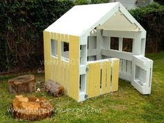 Playhouse Made From Pallets | Pallet playhouse in pallet garden pallet kids projects with Playhouse ...