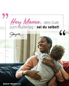"""Liebe Mama, du bist die Beste! Du bist einmalig, wie du bist! Damit du das auch so siehst, schenken wir dir hier die Leseprobe vom Buch """"Zuversicht, Mama!"""". Trau dich und sei du selbst! #seiduselbst #mama #mamasein #mamaalltag #ermutigung #traudich #mamaleben #zitateundsprüche #mamasprüche #muttertag #muttertagsgeschenk #buchtipp #joycemeyer #muttertag2021 Joyce Meyer, Beste Mama, Portie, Cheer Up, Single Parent, Encouragement, Grief, Parenting"""