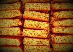 Bestanddele 1 kg bruismeel 5 koppies semel / All-bran 400 ml suiker 2 tl bakpoeier – mooi gelyk teen rand 1 tl sout margarien Stork Bake 3 jum. Tart Recipes, Baking Recipes, Bread Recipes, Sweet Recipes, Kos, Rusk Recipe, Recipe Box, All Bran, Baking Muffins