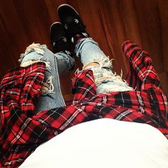 la modella mafia Fall 2013 grunge plaid trend with jeans and Jordans
