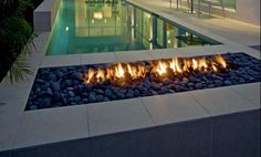 Google Image Result for http://www.poolsoffun.com/owner_community/wp-content/uploads/2011/03/firepit2.jpg