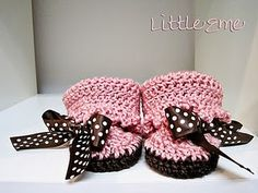 tangled happy: baby booties