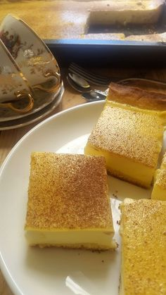 Today is Milk Tart Day. To celebrate, MEGAN BAADJIES sourced some great home-made recipes for you to try out Easy Tart Recipes, Custard Recipes, Mince Recipes, Baking Recipes, Vegan Recipes, Melktert Recipe, African Dessert, Milk Tart, Protein Bar Recipes