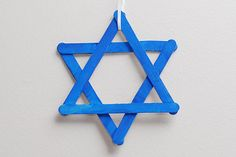 Easy and cute crafts to do with your kids for the Festival of Lights Hanukkah crafts for kids Hanukkah For Kids, Hanukkah Crafts, Preschool Christmas Crafts, Jewish Crafts, Feliz Hanukkah, Holiday Activities, Holiday Crafts, Hannukah, Holiday Decorations
