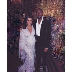 Pin for Later: The Kardashians Take It Back to the Roaring '20s For Kris Jenner's 60th Birthday Bash