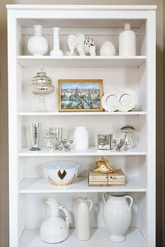 Build Shelves And Style With Spray Painted Objects Decorating Bookshelves Bookshelf Styling Ideas