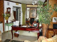 Gallery  Front desk and lobby         Drop Anchor  Accommodations  Rates  Events  Weddings  Islamorada  Virtual Tours  Photo Gallery  Services  Home  Contact Us    P.O. BOX 222 - Islamorada, FL 33036 - 1-888-664-4863 - 305-664-4863    Free WiFi in every room  Free WiFi in every room        Copyright © 2011, Drop Anchor Resort  Marina. All rights reserved.  Professional web design by The Web Pro.