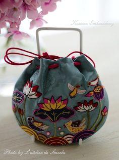 スモッキング刺繍の小さなグラニーバッグ♪の画像 | スモッキング刺繍 L'atelier de Smocks
