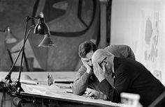 """Corbu, 1960, photo: Rene Burri. Paris, 7th arrondissement, 35, rue de Sèvres.""""Atelier 35 S"""". © Rene Burri / Magnum Photos"""