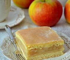 szarlotka, jabłecznik, ciasto kruche z jabłkami, mus jabłkowy, najlepsza szarlotka, ciasto z jabłkami Apple Cake Recipes, Food Cakes, Food And Drink, Sweets, Cheese, Fruit, Cooking, Impreza, Blog