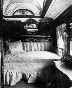 Train Travel in the 1800s – Old Photos depict the interior of a Rococo period Pullman train car. | The Vintage News
