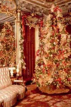 Victoria Mansion, Portland...Mansion Parlor at Christmas//