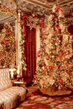 Victoria Mansion, Portland...Mansion Parlor at Christmas//
