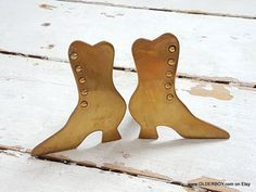 Pair of BRASS SHOES paperweights brass collectible shoes stands decorative boots home decor vintage shoes figure boots figurine vtg P12/791