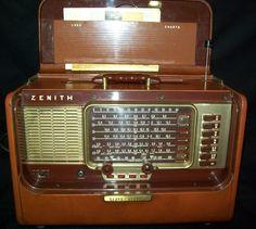 1957 Zenith A-600L Trans-Oceanic Tube Radio