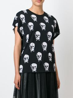 #saintlaurent #skull #prints #tshirt #women #fashion #new www.jofre.eu