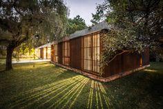 Linear House / Roberto Benito