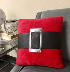 DIY This Adorable Santa Buckle Pillow For Your Couch / Sizzix Blog - The Start of Something You®