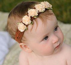 Baby Flower Headband Cream Satin Rose Crown by PetalnPearlBoutique Baby Flower Headbands, Diy Headband, Diy Hairstyles, Pretty Hairstyles, Bebe Love, Do It Yourself Baby, Rose Crown, Diy Bebe, Barrettes