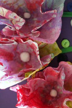 Make 3D flowers for Mother's Day! From coffee filters!