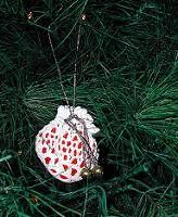 Yule Sachet ~ Make an herbal sachet for yule ~ Make small to hang on a tree or make larger to give as a gift.