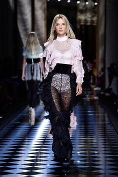 Alessandra Ambrosio Just Went Blond For the Balmain Paris Fashion Show
