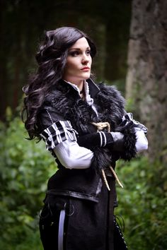 Yennefer cosplay by on DeviantArt Corset Costumes, Cool Costumes, Cosplay Costumes, Halloween Costumes, Yennefer Cosplay, Renaissance, Yennefer Of Vengerberg, Fantasy Photography, Steampunk Costume