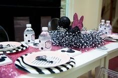 Glamorous Minnie Mouse Birthday Party at Kara's Party Ideas. See more at karaspartyideas.com