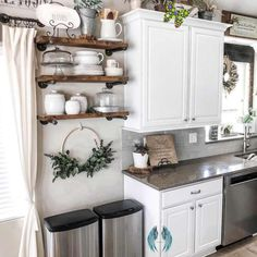 40 of the BEST Home Decor Blogs that will inspire you. 40 of the BEST Home Decor Blogs that will inspire you.<br> Modern Farmhouse Kitchens, Farmhouse Interior, Farmhouse Style Kitchen, Home Decor Kitchen, Rustic Kitchen, Country Kitchen, Farmhouse Decor, Kitchen Ideas, Kitchen Inspiration