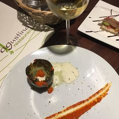 #Tapas time in #Andalucia. This evening in #RestauranteAgustina in #cazalladelasierra Artichoke with goat's cheese & salsa de piquillos; and Cantabrian anchovy toast with avocado (and a chilled Spanish Sauvignon Blanc :) #Restaurants #foodpic #tapas #vino #wine #sauvignonblanc #anchovy #artichoke #foodstagram #supper #food #eat #taste #Andalucia#cazalladelasierra #SierraNorteDeSevilla #Sevilla #Seville #travel #instatravel #andaluciadiary