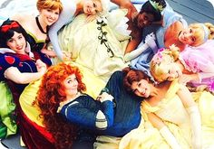 This has always been my favorite disney face character picture and not only are elsa and anna holding hands, so is Tiana and Cinderella