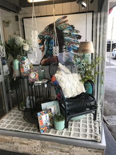 Retail Windows, Retail Store Design, Window Styles, Glass Boxes, Hipsters, Eclectic Decor, Store Fronts, Porch Swing, Visual Merchandising