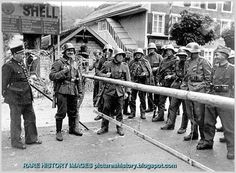 PICTURES FROM HISTORY: Rare Images Of War, History , WW2, Nazi Germany: German Invasion of France: May 1940: A Picture Album.  At the France-Swiss border