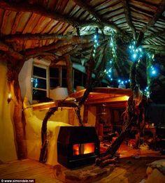 Construiu casa Hobbit para si e para a sua família por menos de 5000 euros | Tá Bonito