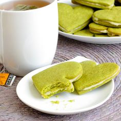 HoneyGreenTeaCookies~~look SO yummy and easily doable. i just tried this out. my cookies weren't as green as this, but i think that has to do with the matcha powder i used. in any case, next time i'm going to use a couple drops of food coloring :P