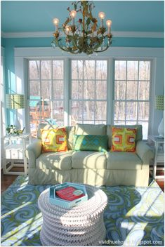 House of Turquoise: Vivid Hue Home--sunporch