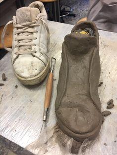Ceramic Shoes, Ceramic Art, High School Ceramics, 3d Art Projects, Pottery Handbuilding, Year 9, Ceramics Ideas, Clay Sculptures, Art Classroom