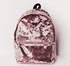 Mochilas in Alone With a Paper Mocila Veludo Rosa *Clique para ver post completo* Cute Mini Backpacks, Girl Backpacks, Leather Backpacks, School Backpacks, Leather Bags, Fashion Bags, Fashion Backpack, 90s Fashion, Fashion Trends