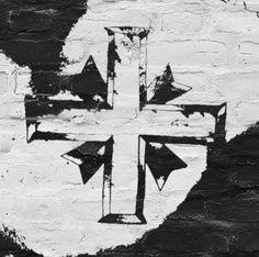 De todos os amores que eu tive, és o mais antigo O Vasco é minha vida, minha história, o meu primeiro amigo Quem não te conhece me pergunta por que eu te segui Eu levo a Cruz-de-Malta no meu peito desde que eu nasci  E eu não páro ... Não páro, não!  A Cruz-de-Malta ... Meu coração! Vasco da Gama ... Minha paixão!  Vasco da Gama ... Religião