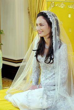 Malaysian royal wedding: Zara Salim Davidson in wedding dress by Radzuan Radizwill